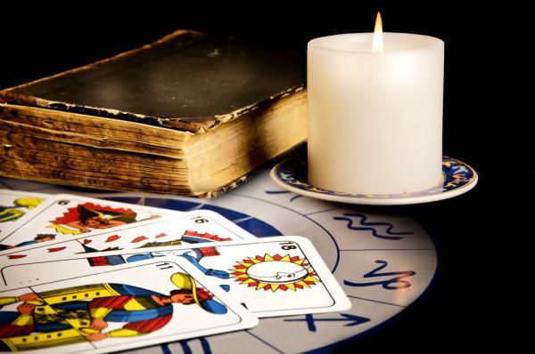 Гадание на картах таро, оракул, магия, книге ведьм королева пентаклей таро значение в отношениях