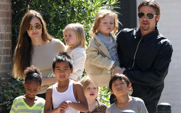 Дети Анджелины Джоли озвучили мультфильм