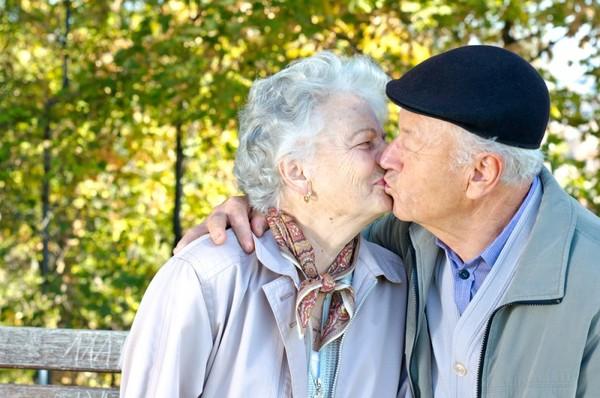 49 лет в любви – кедровая свадьба. Символика и годовщины, лучшие подарки