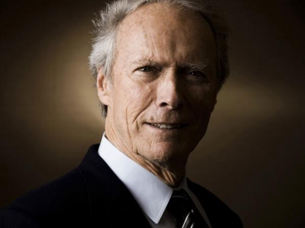 Клинт Иствуд снимет фильм о летчике, который спас сотни людей