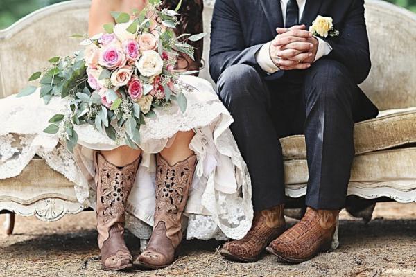 Кожаная свадьба – три года со дня заключения брака: как отмечать, что дарить