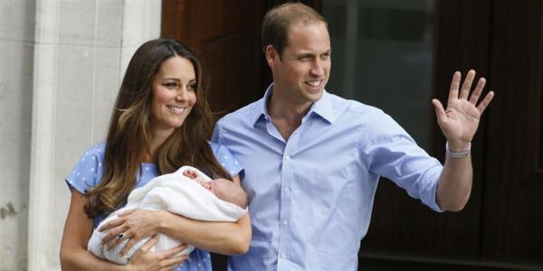 Маленький Джордж получит детские игрушки от своего отца